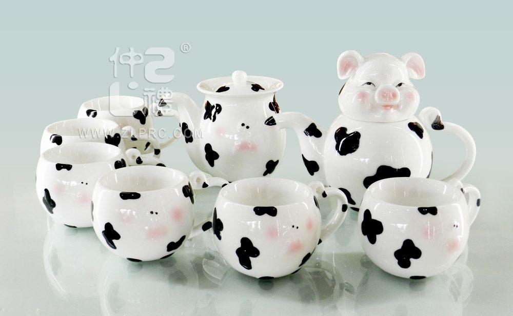 透明釉小猪造型10头茶具组:中国礼瓷茶具 - 广西北流