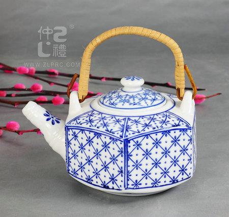 青花瓷六角茶壶米花