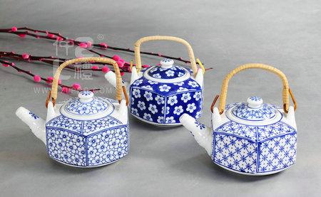 青花瓷六角茶壶