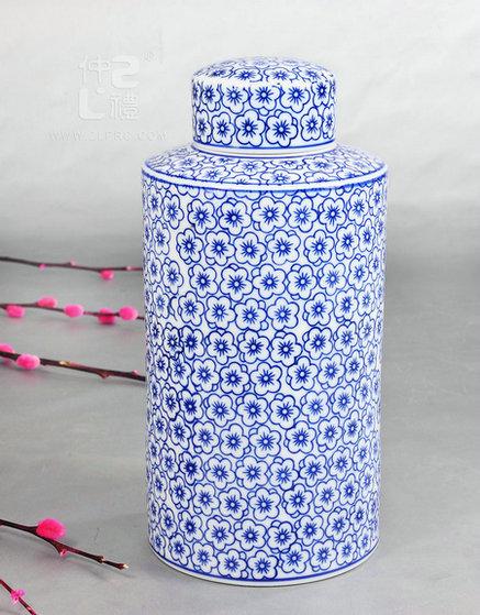 青花瓷圆形茶叶罐-兰花