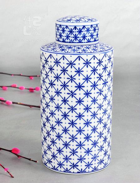 青花瓷圆形茶叶罐-米花