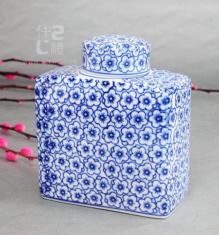 青花瓷方形茶叶罐-兰花