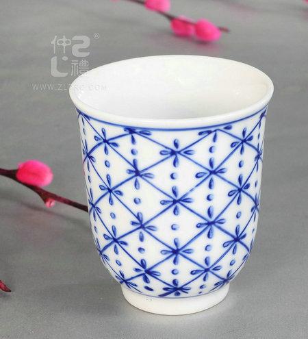青花瓷茶杯米花