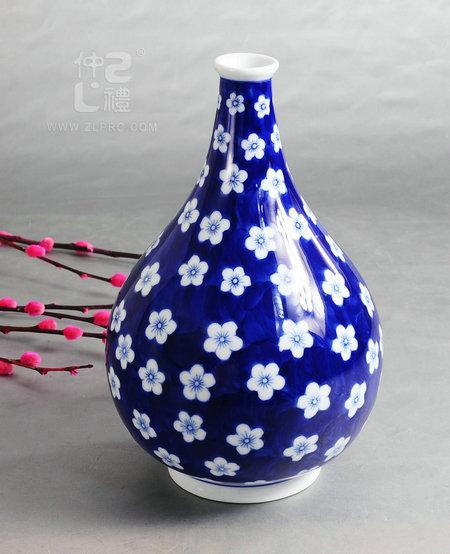 青花瓷10寸天球瓶梅花