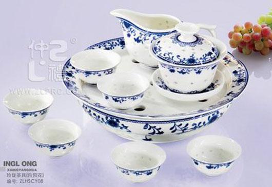 12头向阳玲珑瓷茶具