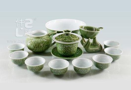 新绿釉凹雕15头尖脚杯功夫茶具组
