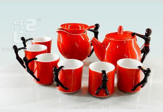 红釉黑柄斜壶斜杯10头茶具组